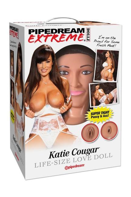 Пышногрудая брюнетка с реалистичной вагиной и анусом Katie Cougar